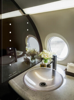aviation-glass-aeroglass-mirror-integrated-lighting-1